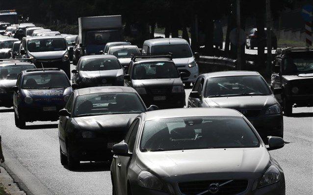 Για 13,5 χρόνια κρατά ο Έλληνας το ίδιο αυτοκίνητο